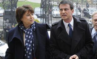 Les socialistes Martine Aubry et Manuel Valls, le 18 mars 2015 à Lille.