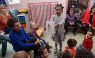 Echanges autour de l'égalite entre filles et garçons dans une école maternelle de Toulouse.