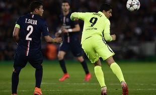 Le capitaine du PSG Thiago Silva contre le FC Barcelone, le 15 avril 2015, au Parc des Princes.