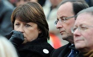 """Martine Aubry, première secrétaire du PS, estime, dans un entretien à Libération à paraître mercredi, que """"Nicolas Sarkozy divise et veut faire peur"""" alors que """"François Hollande veut redresser notre pays et apporte l'espoir""""."""