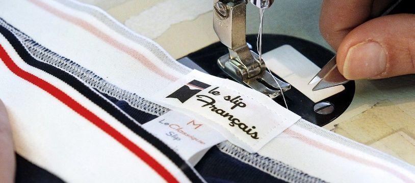 Une vidéo diffusée sur les réseaux sociaux et montrant des employés de l'entreprise de textile Le Slip Français grimés en noir a provoqué l'indignation.