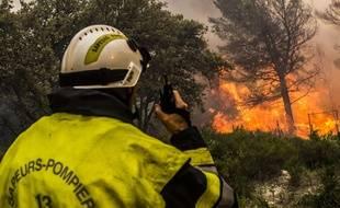 Le feu de Foret est parti de Saint Cannat (pres d Aix en Provence) et a parcouru environ 750 hectares. Pres de 800 pompiers engages des Bouches du Rhone et des renforts extra départementaux.