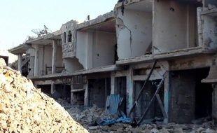 L'armée syrienne bombardait violemment samedi la ville rebelle d'Idleb (nord-ouest), en prélude à un assaut d'envergure, et ce quelques heures avant la visite à Damas de l'émissaire internationational pour la Syrie, Kofi Annan, ont rapporté une ONG syrienne et des militants.