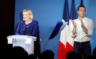 Marine Le Pen et Jordan Bardella en meeting à Villeblevin, le 21 mai 2019.
