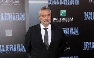 """Le réalisateur Luc Besson à la première de """"Valérian"""" à Los Angeles, le 17 juillet 2017."""