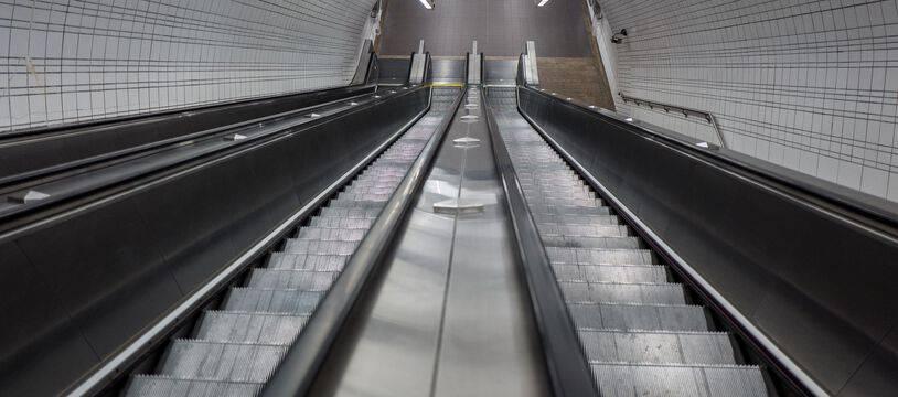 Un escalator dans une station de métro toulousaine. Illustration.