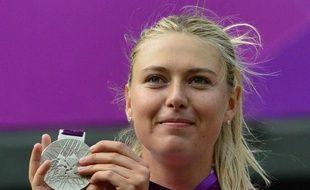 La Russe Maria Sharapova, battue en finale des Jeux de Londres, est la nouvelle dauphine de la N.1 mondiale, la Bélarusse Victoria Azarenka, qui a obtenu la médaille de bronze aux JO, selon le classement WTA publié lundi.