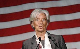 """La directrice du Fonds monétaire international Christine Lagarde a estimé, dans un entretien publié samedi, que les Grecs devraient """"commencer par s'entraider collectivement"""" en payant leurs impôts, se disant moins préoccupée par leur sort que par celui des enfants d'Afrique."""
