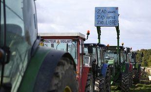 Près de 150 tracteurs «vigilants» se sont installés autour de la ferme Fresneau à Notre-Dame-des-Landes, le 10 novembre 2016.
