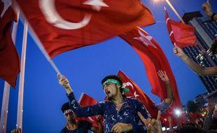 Le 17 juillet 2016, les pro-Erdogan sont descendus dans les rues d'Ankara pour soutenir le chef de l'Etat.