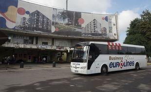 Un bus Eurolines à Varsovie le 15 août 2019.
