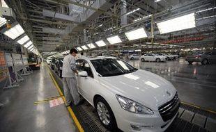 En Chine, les ventes de PSA ont crû plus vite que le marché (+9,2% à 442.000 véhicules). Il est présent via deux coentreprises, dont l'une dédiée à la ligne DS de Citroën, qui produira localement la DS5 à partir du deuxième semestre.