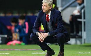 Arsène Wenger abattu par l'élimination d'Arsenal en demi-finale de Ligue Europa face à l'Atlético Madrid, le 3 mai 2018.