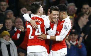 Mesut Özil fête son but lors du match entre Arsenal et Bournemouth le 28 décembre 2015.