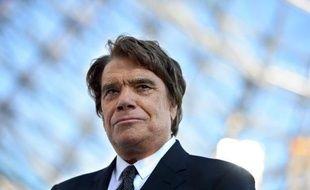 L'ex-magistrat Pierre Estoup, qui a joué un rôle clé dans l'arbitrage dont a bénéficié Bernard Tapie en 2008 dans son litige avec le Crédit Lyonnais, serait intervenu dès 1998 en faveur de l'homme d'affaires lors d'un procès visant l'Olympique de Marseille, selon Le Monde daté de vendredi.