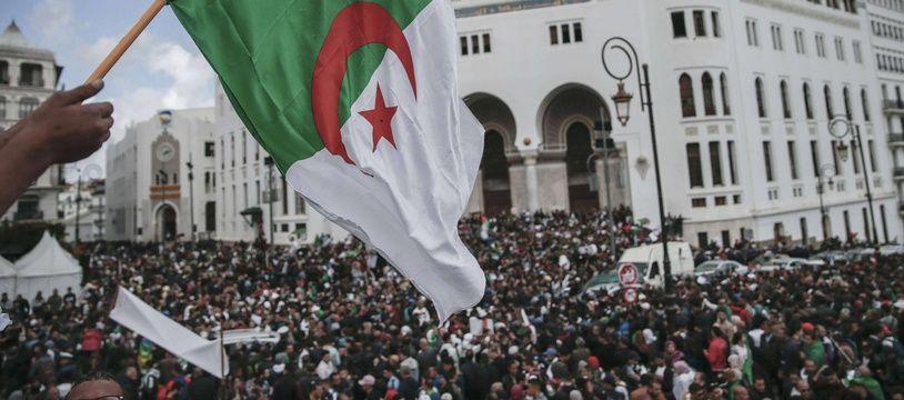 Les manifestations se poursuivent en Algérie sur fond de limogeages de symboles du régime Bouteflika déchu et d'arrestations.