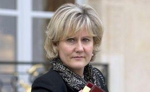 """Nadine Morano (UMP) a qualifié mercredi François Hollande d'""""homme dangereux pour la France"""", à propos de la réforme du quotient familial qu'il prône, suscitant la colère dans l'équipe de campagne du candidat PS à l'Elysée qui a jugé que la ministre avait """"franchi le Rubicon""""."""