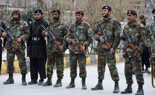 Des policiers à Quetta, dans la province du Balouchistan, le 22 février 2013.