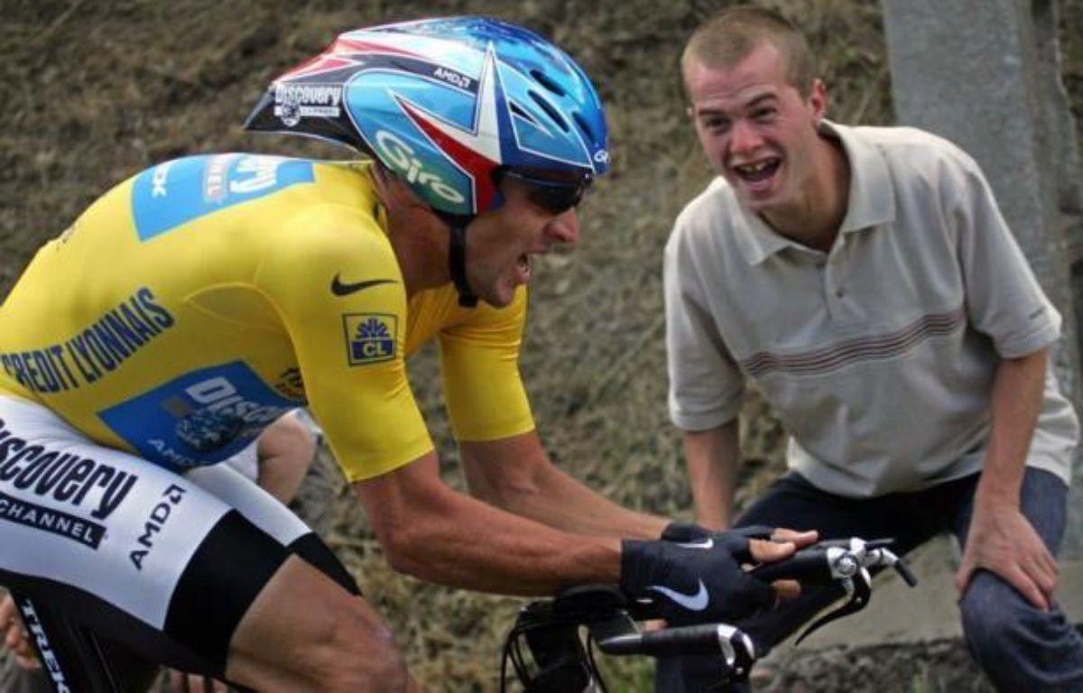 """L'avocat français Thibault de Montbrial affirme que Lance Armstrong aurait dû être visé par une perquisition à son hôtel lors du Tour de France 2005 mais que celle-ci a été annulée, les enquêteurs ayant reçu un """"feu rouge"""" de dernière minute, dans un entretien au Journal du dimanche. – Joel Saget afp.com"""