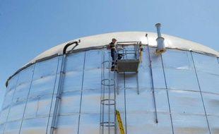 """Le """"digesteur"""", cuve géante de 8.000 mètres cubes, à l'abattoir El Arreo à Belen, au Costa Rica, le 11 mars 2016"""