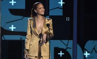 Rihanna aux BET Awards ce dimanche 28 juin à Los Angeles.