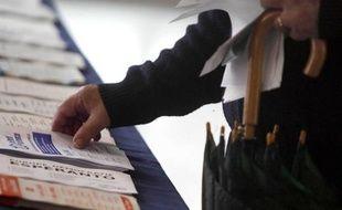 Un électeur lillois lors des élections européennes du 7 juin 2009.