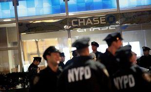 Des policiers près du lieu de l'attaque qui a fait 8 morts dans le sud de Manhattan, le 31 octobre 2017.