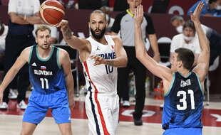 Evan Fournier lors de la demi-finale des JO de Tokyo entre la France et la Slovénie, le 5 août 2021.