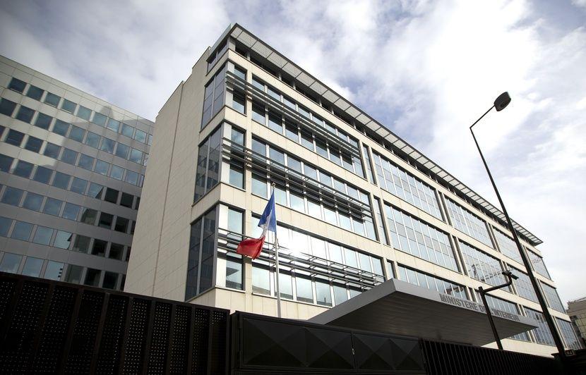 Radicalisation : 16 personnes écartées des services de renseignement depuis 2014, révèle Matignon