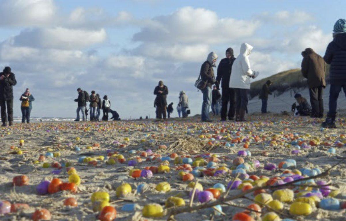 Des milliers d'oeufs surprise se sont échoués sur une plage allemande – Klaus Kremer/AP/SIPA