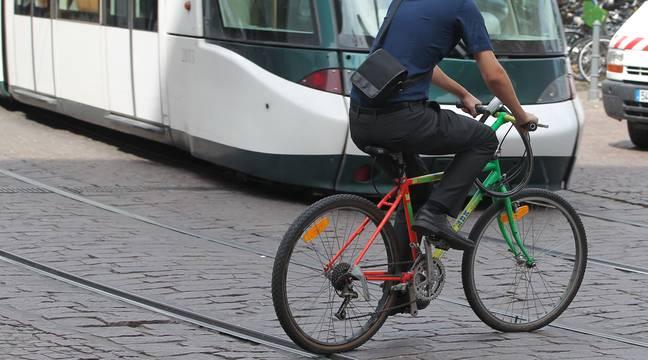 Strasbourg : Un cycliste blessé après avoir été bloqué entre un tram et un quai