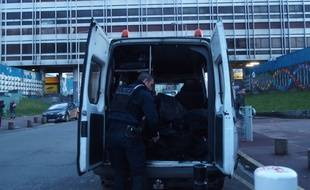 À Aulnay-sous-Bois, le 5/2/17. Surveillance renforcée dans le quartier des 3000 à Aulnay-sous-Bois (Illustration).