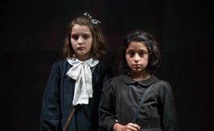 Elisa Del Genio (Elena) et Ludovica Nasti (Lila) dans L'amie prodigieuse, sur Canal+