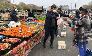 Le marché de la Petite-Hollande, à Nantes, le 21 mars 2020.