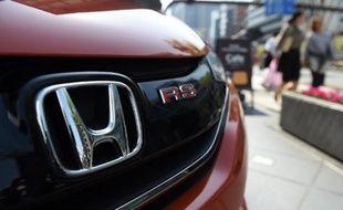 Une voiture Honda exposée au siège du constructeur le 28 avril 2015 à Tokyo