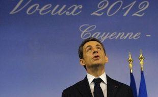 """Au lendemain du premier grand meeting de François Hollande, l'UMP veut contre-attaquer avec la diffusion mardi d'un tract tiré à 6 millions d'exemplaires, destiné à """"rétablir la vérité"""" sur le bilan de Nicolas Sarkozy et vanter les """"10 grandes réformes"""" du quinquennat, a-t-on appris auprès du parti présidentiel."""