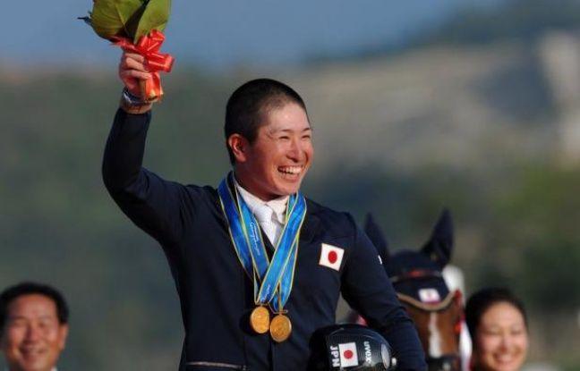 Si sa vie est consacrée à la quête spirituelle, Kenki Sato, jeune moine boudhiste japonais du temple de Myoshoji, sera d'abord un sportif quand il chevauchera sa monture lors du concours complet d'équitation, aux jeux Olympiques de Londres.