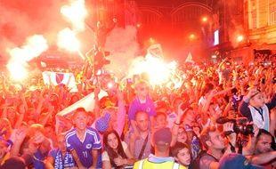 Des milliers de personnes étaient présentes dans les rues de Sarajevo le 17 octobre pour accueillir l'équipe cadets de basket.