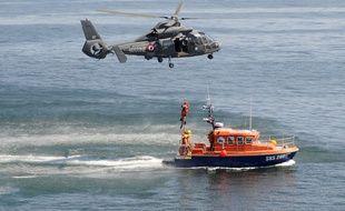 (Illustration) Malgré le dispositif de recherches déployé, les secours n'ont pas réussi à retrouver le nageur disparu dimanche dans la Manche.