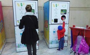 La feuille de route sur l'économie circulaire que doit présentée le gouvernement d'ici fin mars veut améliorer le taux de recyclage des bouteilles en plastique. Cela passe-t-il par le retour de la consigne?