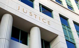 Que ce soit par la voie de l'assurance, de l'aide juridictionnelle ou des consultations gratuites, tout citoyen peut aujourd'hui avoir accès à une expertise juridique à moindres frais.