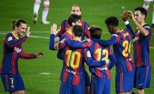 Les Barcelonais s'imposent facilement avant de recevoir le PSG mardi soir.