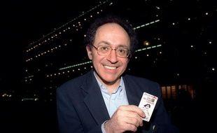 L'inventeur de la carte à puce, le Français Roland Moreno, est décédé dimanche à Paris à l'âge de 66 ans, a indiqué à l'AFP un de ses collaborateurs, confirmant une information du quotidien Le Parisien.
