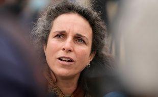 La journaliste bretonne de la radio RKB Morgan Large, ici lors d'un rassemblement de soutien organisé le 6 avril 2021 à Rostrenen.