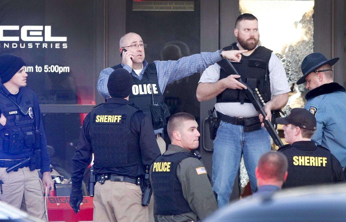 La police sur les lieux de la fusillade qui a fait au moins quatre morts à Hesston, Kansas, le 25 février 2016.  – Fernando Salazar/AP/SIPA