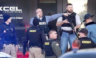 La police sur les lieux de la fusillade qui a fait au moins quatre morts à Hesston, Kansas, le 25 février 2016.