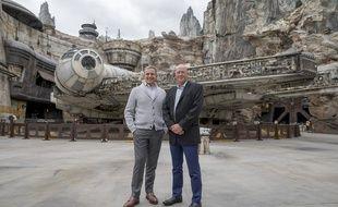 Bob Iger reste président de Disney et Bob Chapek est le nouveau directeur général du groupe.