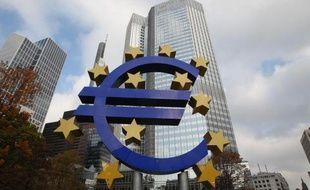 Le logo de l'euro devant le siège de la Banque centrale européenne, le 6 novembre 2014 à Francfort
