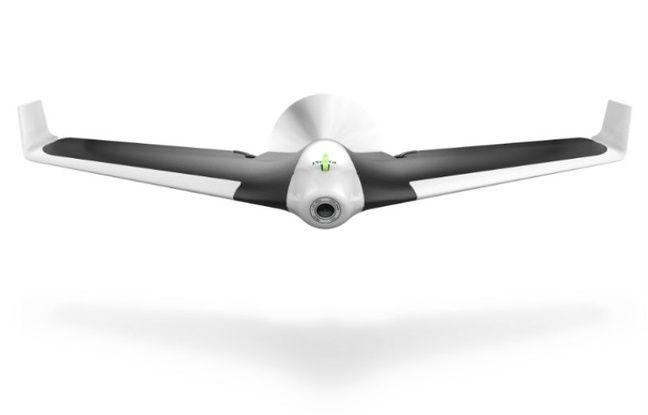Atypique mais offrant des sensations de pilotage inédites, l'aile volante Disco de Parrot.