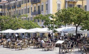 La place Garibaldi à Nice avec ses restaurants (Illustration)